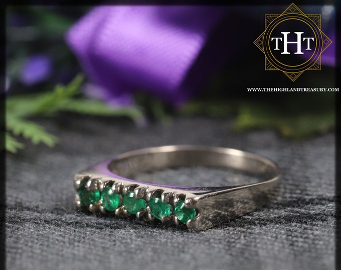 Vintage 18Ct 18K 750 Solid White Gold Five Round Cut Natural Emerald 0.25ct Gemstone Modern Simple Signet Style Ring Size M - 6