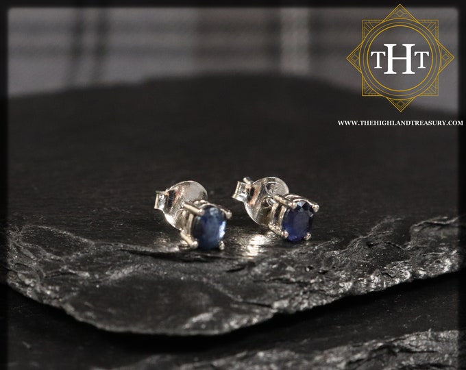 A Pair of Vintage Sterling Silver 925 Small Dainty Delicate 5x4mm Oval Cut Dark Blue Sapphire Gemstone September Birthstone Stud Earrings