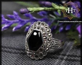 Vintage Sterling Silver 925 Bezel Set Black Onyx Hexagon Cabochon Marcasite Gemstone Shield Design Ring Size P 1/2 - 7 3/4