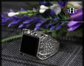 Vintage Sterling Silver 925 Dragon Scale Design Square Cut Bezel Set Black Onyx Marcasite Gemstone Mens Ring Size T - 9 5/8