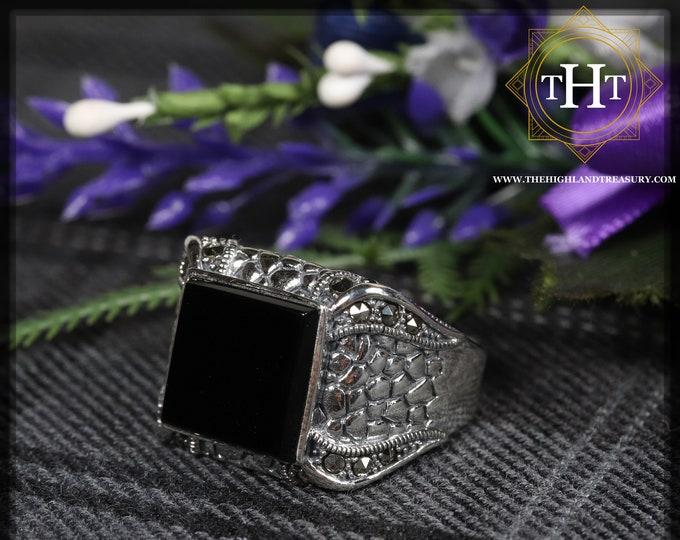Vintage Sterling Silver 925 Dragon Scale Design Square Cut Bezel Set Black Onyx Marcasite Gemstone Mens Ring Size T - 9 5/8