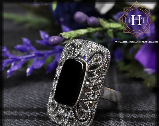 Vintage Art Deco Sterling Silver 925 Bezel Set Black Onyx Oval Cabochon Marcasite Gemstone Shield Filigree Design Ring Size O - 7