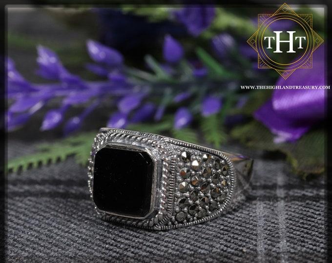 Vintage Sterling Silver 925 Art Deco Style Emerald Cut Roped Bezel Set Black Onyx Marcasite Gemstone Mens Ring Size T - 9 5/8