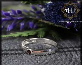 Sterling Silver 925 Minimalist Design Style Small Round Cut Crimson Red Garnet Birthstone Gemstone Band Ring Size O - 7