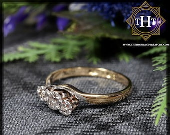 Vintage 18K 18Ct 750 Solid Yellow Gold Platinum Three Small White Round Cut Natural Diamond Wedding Engagement Ring Size M 1/2 - 6 1/4