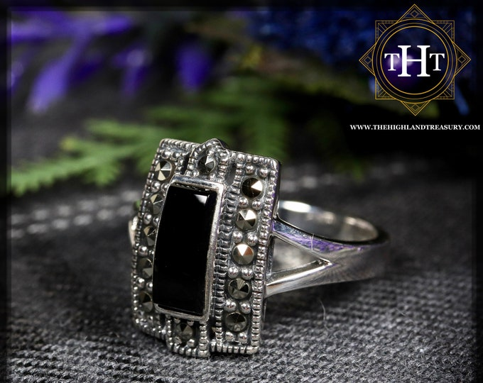 Vintage Art Deco Style Sterling Silver 925 Bezel Set Black Onyx Rectangular Cabochon Marcasite Gemstone Shield Design Ring Size O - 7