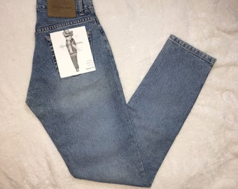 01b612e4c1a DEADSTOCK NWT Vintage 1990s Calvin Klein high waisted mom jeans light wash  size 3