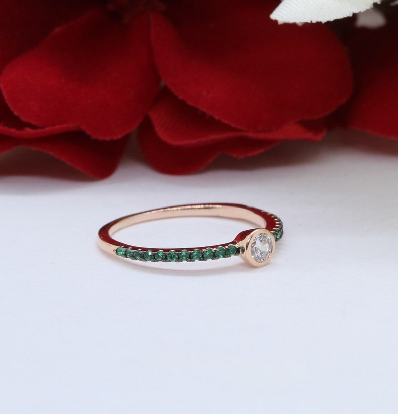 Fashion Ring Petite Dainty Rose Gold Solid 925 Sterling Silver Bezel Round 0.24 Carat Simulated Diamond Emerald Green CZ