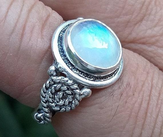 gemstone ring sterling silver ring Rainbow Moonstone ring,925 silver ring moonstone silver ring handmade silver ring moonstone jewelry