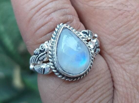 moonstone jewelry Rainbow Moonstone ring,925 silver ring moonstone silver ring handmade silver ring gemstone ring sterling silver ring