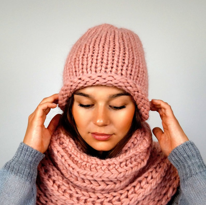 Hat Knitting Design INNA HEUER hand-knitted cap made of soft baby alpaca yarn In Altrosa Wool hat Knitted hat Berlin.
