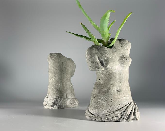 "5.9"" VENUS Air Plant Holder - Greek Statue Planter - Sculputure Planter Pot - Venus de Milo - Figurines Planters - Air Planter"
