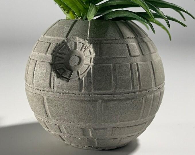 STAR WARS PLANTER - 6cm - Air Plant Holder - Death Star Planter - Concrete Plant Pot - Concrete Death Star - Indoor Gardening - Geek Gift