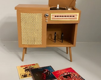 Mid Century Stereo Cabinet 1/6 Scale