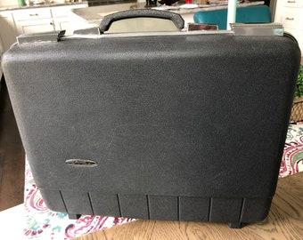 ab2f5bbb0eb Sears prognose Vintage harde-kant CarryOn koffer / Valet / werkmap in het  zwart