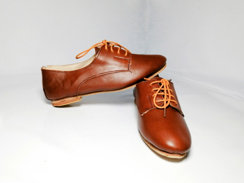Handmade Derby Shoe for Ladies MODISH Women Brown Leather Flat Oxford with Laces Classic Dance Shoes Saddle Shoe Christmas Gift For Her.
