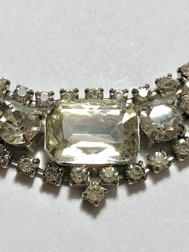 Bedazzling Choker Necklace with Crystal RhinestonesSilver Tone13-15 AdjustibleHook ClaspVictorianFree SH to US #VBR108