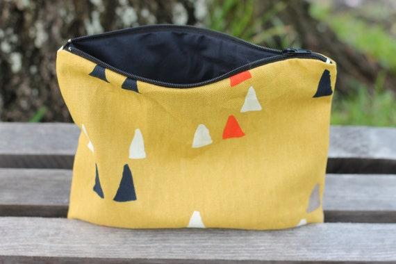 Organic Canvas Zipper Bag, Small Zipper Bag, Cosmetic Bag, Eco Friendly Zipper Pouch, Organic Canvas Bag, Travel Bag,Toiletry Bag, Triangles