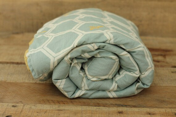 Child's Organic Weighted Blanket-Honeycomb Bees Organic Cotton / Organic Cotton Gold Back / Ready To Ship-4 Lbs / Glass Beads