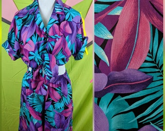 f4cbdae6b74 Vintage 80s Hawaiian Women s Tropical Floral Matching Two Piece Set with  Shirt and Shorts - Size L
