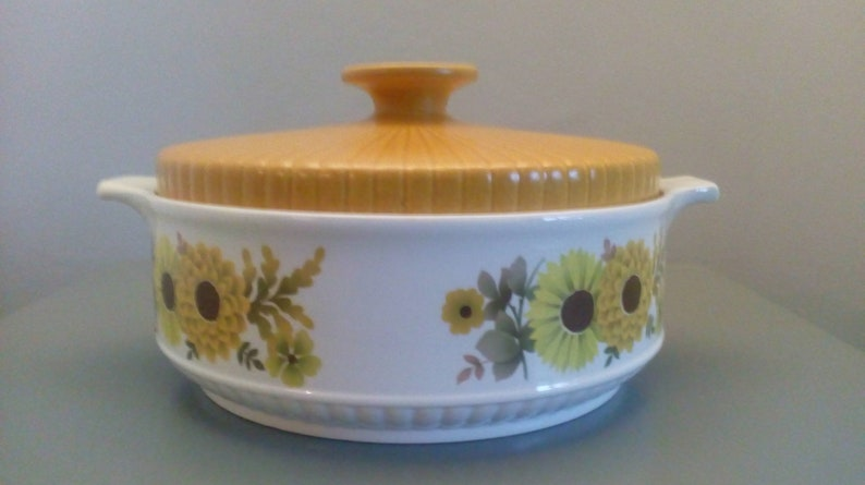 Alfred Meakin Glo White Ironstone Flowers Lidded Casserole Serving Dish Retro #2 Alfred Meakin Pottery, Porcelain & Glass