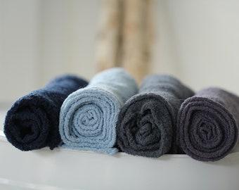 Gots certified cotton wrap in cotton gauze blue tones