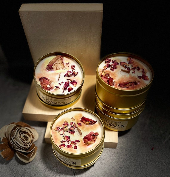 EL CORAZON: (Warm, Exotic, Soft) (Bourbon Soaked Raisins, Caramel, Maple) 8 oz Soy Candle w/ A Crackling Wooden Wick Topped w/ Dried Roses