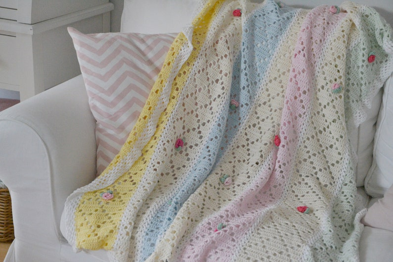 Enchanting crocheted blanket with beauty image 0