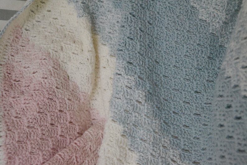 Beautiful crocheted Blanket image 0