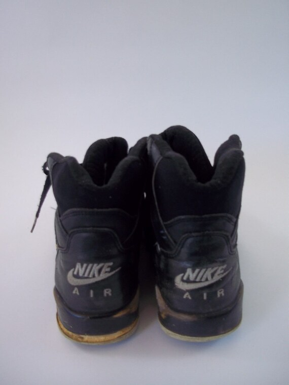 huge selection of b46f0 a3244 Rare Vintage 1991 Nike Air Force High Top Shoes Size 7 Black
