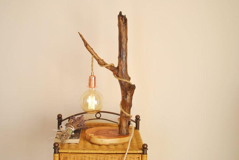 Una lampada da tavolo in legno lampada da comodino con etsy