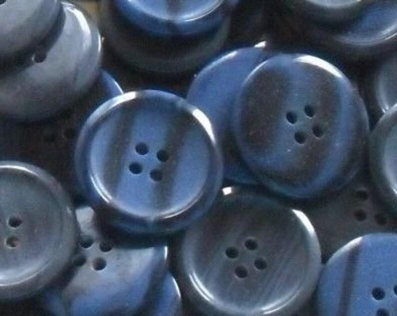 8 dreamy brown dark brown x 25 mm buttons K505