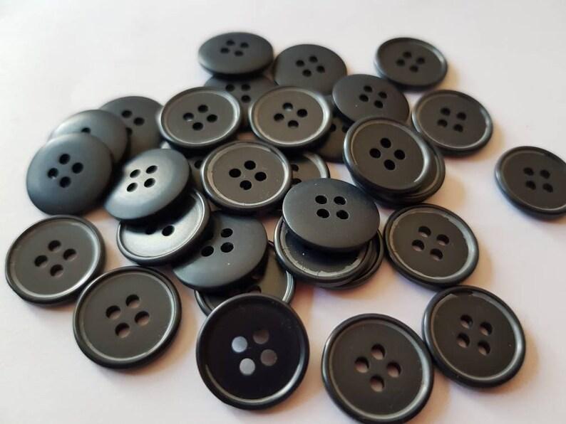 10 dark blue x 15 mm buttons dark blue K538