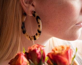 Grande Hoops in Blonde Tortoise| Acetate Tortoise Shell Statement Hoop Earrings