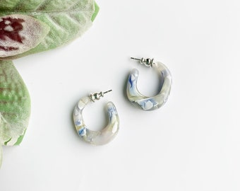 Juicy Hoops in Ajisai | White and Blue Floral Hydrangea Thick Chunky Hoops Acetate Resin Hoop Earrings S925 Posts