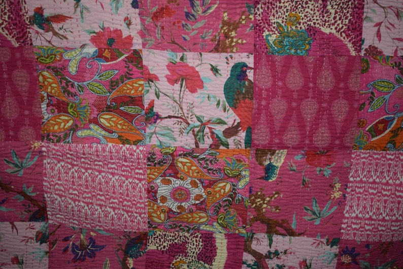 Kantha Quilt Handmade Indian Cotton Bedspread Upcycled Bedding Throw Pink patchwork bed cover Gudari Bedding Throw,