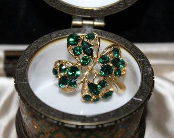 6f469423e31 Vintage Marked Jc Emerald Glass Rhinestones Lovely Clover Leaf Silver Tone  Brooch
