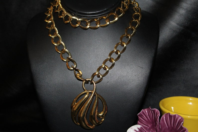Napier Signed Designer High End Runway Gold Plate Modernist Necklace OR BEST OFFER