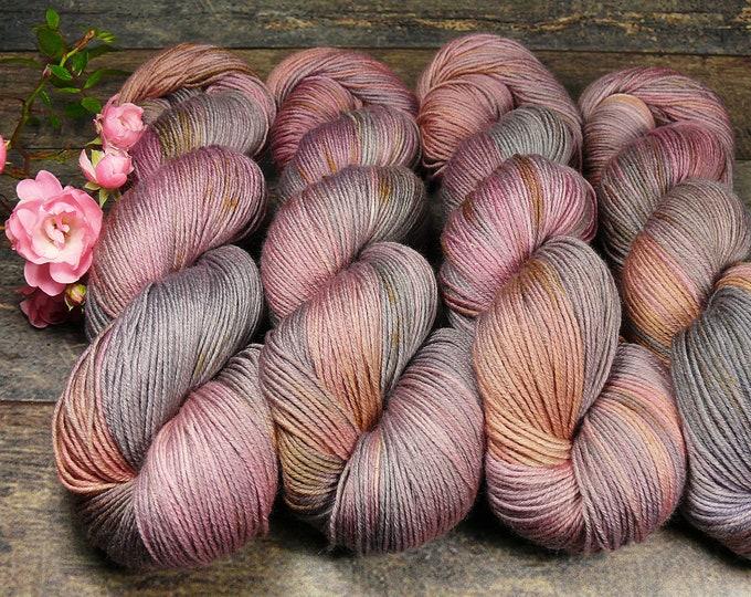 TWISTER ZWIELICHT - Merino Silk fingering, pflanzengefärbte Wolle mit Seide, handgefärbte Wolle, 100gr Lauflänge 420m