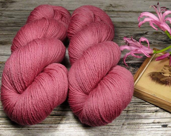 SANFTE ROSY - Bio Merino Wolle 320m Lauflänge, natürlich gefärbte reine weiche Wolle von Rosy Green Wool,  Biowolle