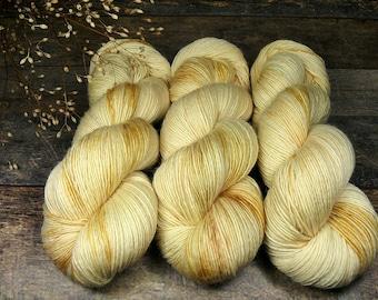 BECCA SOMMERWIND - Lanartus Merino Singles 370m LL, pflanzengefärbte sehr weiche Wolle, edles Singlegarn natürlich handgefärbt