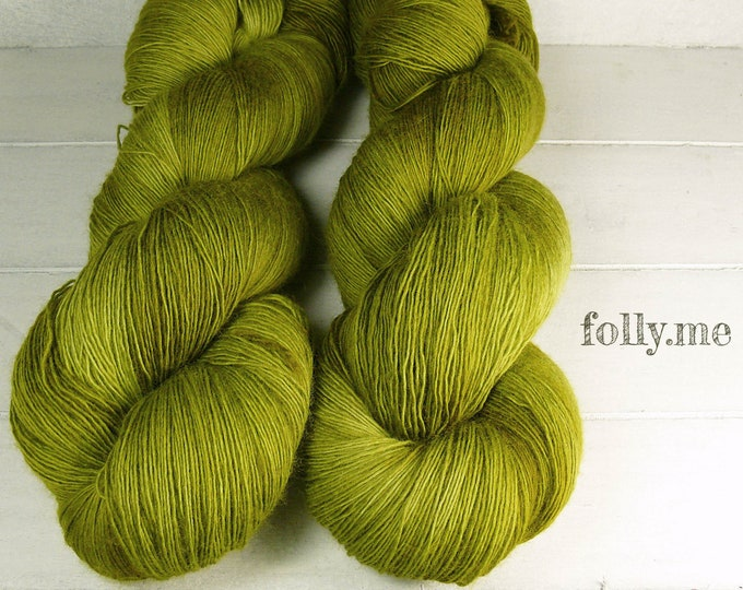 FROGGY - Merino Lace pflanzengefärbt von folly.me, handgefärbtes Singlesgarn, Single reine weiche Wolle, Lauflänge 800 Meter
