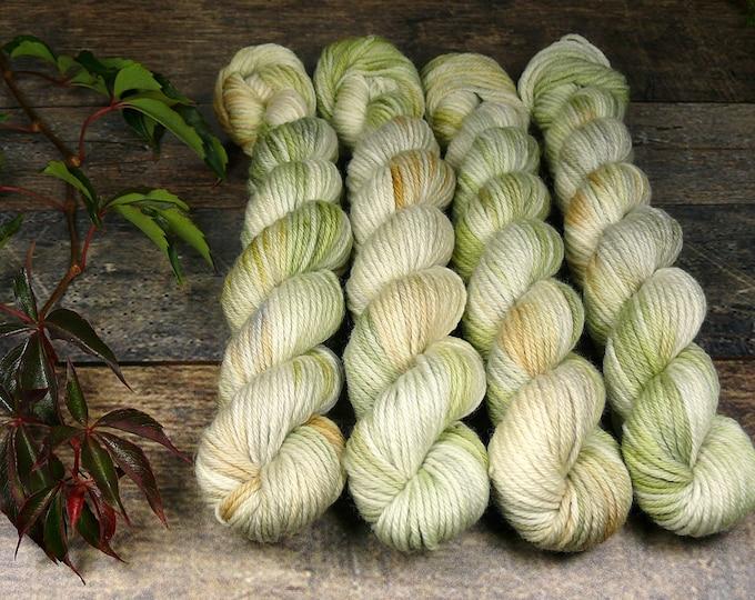 GREEN ROSY mini - 25 Gramm Bio Merino Wolle (100gr/EUR 30), pflanzengefärbte Wolle von Rosy Green Wool, Biowolle