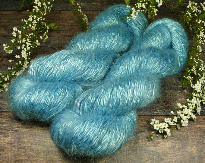 SILBERBLAU  - Silk Mohair pflanzengefärbt, Seide & Kidmohair, Pflanzenfärbung, natürlich handgefärbtes Edelgarn