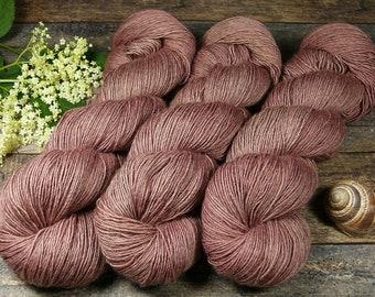 FUMY BRAUNBEERCHEN - 120gr Merino Seide Yak Singlesgarn handgefärbt (100gr/Euro 22,00), natürlich gefärbtes zartes Edelgarn