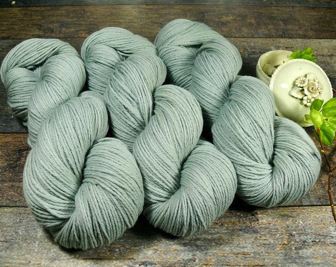 ROSY AQUAMARIN - Bio Merino Wolle 320m Lauflänge, pflanzengefärbte kuschelweiche reine Wolle von Rosy Green Wool, Biowolle