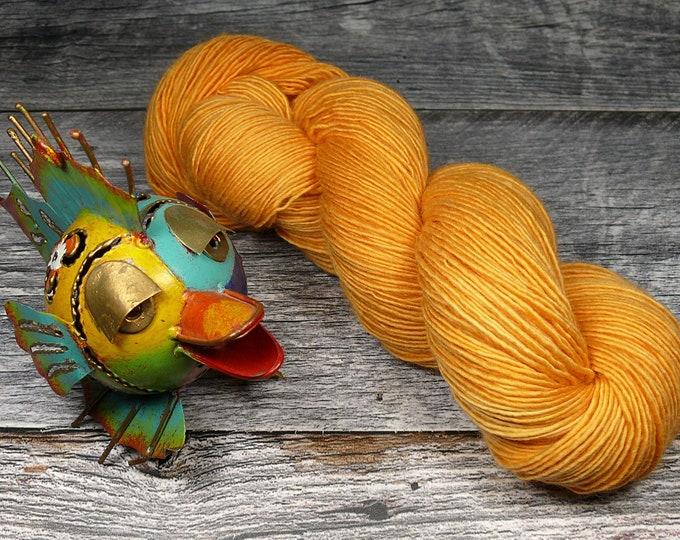 BECCA DAHLIA - Lanartus Merino Singles 370m LL, pflanzengefärbt von folly.me, reine weiche Wolle, Singlesgarn natürlich gefärbt