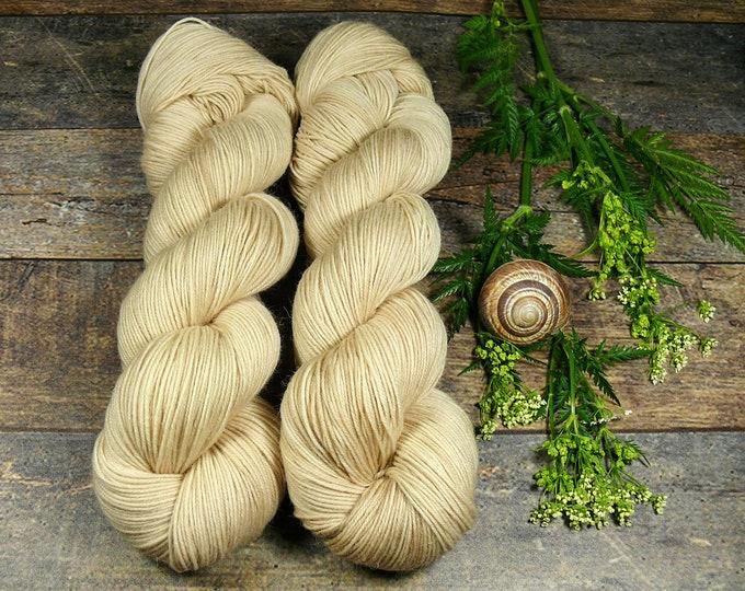 NOREDIEN - Sockenwolle mit MOHAIR pflanzengefärbt, besonders dicht & stabil, natürlich handgefärbte Wolle, Sowo 4ply
