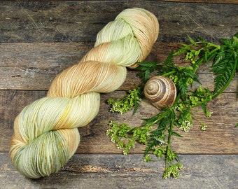 TWISTER DEUX mit SPECKLES - Merino Silk fingering, pflanzengefärbte Wolle mit Seide, natürlich handgefärbte Wolle, 100gr Lauflänge 420m