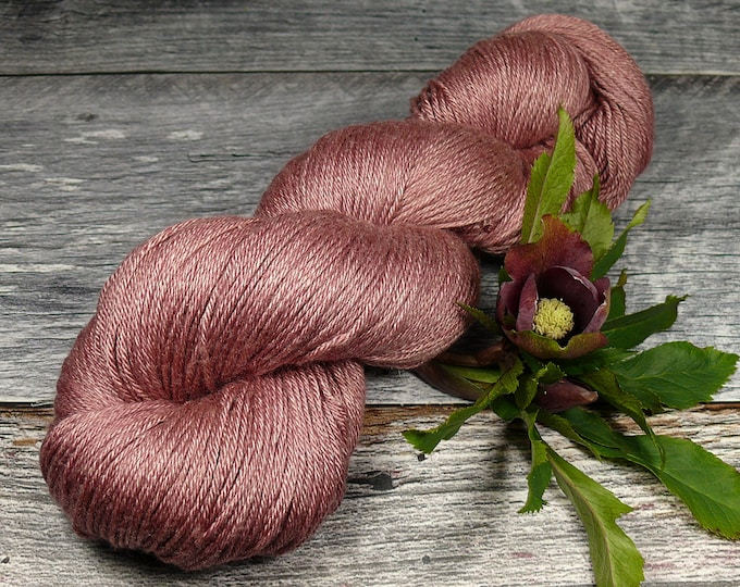 POSH VINO - Merino Seide 4ply fingering, pflanzengefärbt von folly.me, Edelgarn, Naturfärbung, 100gr Lauflänge 400m
